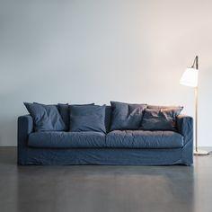 Le Grand Air 3-sits soffa, blå i gruppen Rum / Vardagsrum / Vardagsrumsmöbler hos RUM21.se (LeGrandAir1)