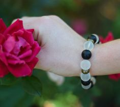 Free Shipping  Black Sea Bracelet  Black White by BijiJewelry