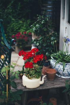 Container Gardening Ideas - 4 Ways to Create Beautiful Pots Garden Planters, Garden Beds, Garden King, Garden Villa, Garden Art, Faire Son Compost, Grands Pots, Pot Jardin, Homestead Gardens