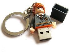 I WANT ONE!! Ron Weasley flash drive
