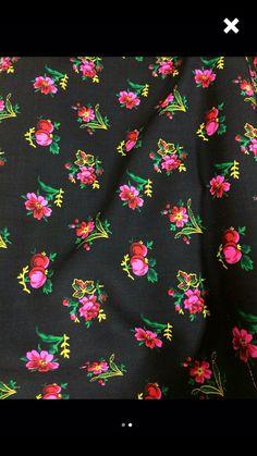 Wool floral fabric and 8 shawls di KubasKorner su Etsy
