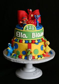 Sesame Street Cake Buttercream covered with fondant decorations and store bought toys. 1st Birthday Cakes, Elmo Birthday, Birthday Stuff, 2nd Birthday Parties, Birthday Ideas, Sesame Street Cake, Sesame Street Birthday, Cupcake Cakes, Cupcakes