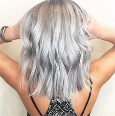 These 25 silver and platinum looks bring you to cloud nine - hair color - mo . - These 25 silver and platinum looks bring you to cloud nine – hair color – mo … # bring - Platinum Blonde Hair Color, Silver Blonde Hair, Silver Platinum Hair, Silver Purple Hair, Short Silver Hair, Short Hair, Silver Wigs, Dark Blonde, Grey Hair Wig