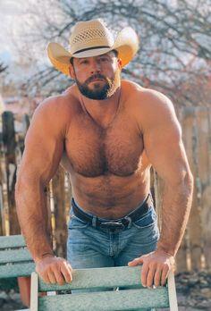 Just a Kansas farmer Hairy Hunks, Hairy Men, Bearded Men, Male Hunks, Country Man, Muscle Bear Men, Muscle Men, Beautiful Men Faces, Gorgeous Men
