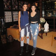 kendall-kyliee: July 22nd, 2014 - Kendall and Kylie at Nialaya Jewelry in Los Angeles FYI if you post this without credit, i'll definitely know you're taking it from me so I'd recommend giving credit or reblogging, thanks :)