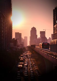 Traffic in Xiamen - China. Xiamen, Seattle Skyline, New York Skyline, City Tumblr, Urban Photography, City Lights, Traveling By Yourself, Places To Go, Beautiful Places