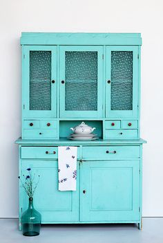New kitchen cabinets painted turquoise cupboards ideas Turquoise Furniture, Painted Furniture, Vintage Furniture, New Kitchen Cabinets, Painting Kitchen Cabinets, Cupboards, Turquoise Kitchen Cabinets, Colorful Kitchen Decor, Kitchen Colors