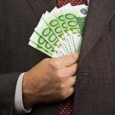 Geen commentaar ..............  Duizenden Europese bankiers verdienen boven miljoen