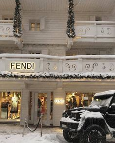 Imagem de fendi luxury and snow Boujee Aesthetic, Aesthetic Collage, Aesthetic Vintage, Aesthetic Pictures, Aesthetic Stores, Bedroom Wall Collage, Photo Wall Collage, Picture Wall, Aesthetic Iphone Wallpaper
