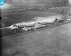 ENGLAND Terminal building and hangars at Croydon Airport, Waddon, 1932 Croydon Airport, London Airports, International Flights, Battle Of Britain, Commercial Aircraft, South London, World War One, Air Travel, Wells