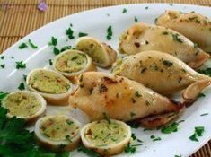 Seppie ripiene - with little variations the recipe is present all over italy Fish Recipes, Seafood Recipes, Cooking Recipes, Healthy Recipes, Croatian Cuisine, Sicilian Recipes, Fish Dishes, Appetisers, Fish And Seafood
