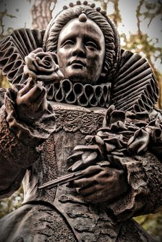 Queen Elizabeth I statue at The Elizabethan Gardens, on North Carolina's Outer Banks within Fort Raleigh National Historic Site Uk History, Tudor History, European History, British History, Renaissance, Isabel I, Elisabeth I, Tudor Dynasty, Tudor Era