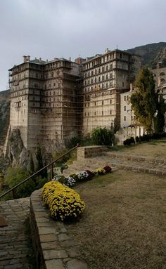 Monastery of Simonopetra, Mount Athos, Greece The Holy Mountain, Christian World, Greek Islands, Greece Travel, Our Lady, Architecture, Places To See, The Good Place, Beautiful Places