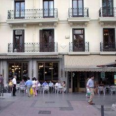 El Café Comercial es un café ubicado en el centro de Madrid, en la glorieta de Bilbao. Se trata de uno de los más antiguos de la capital, fundado el 21 de marzo de 1887. Lugar de tertulias literarias en el periodo de posguerra. Es uno de los cafés de la Edad de Oro de Madrid. Fue uno de los primeros cafés en emplear camareras.