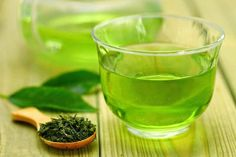 It has become common knowledge that green tea offers many health benefits. In this article we have detailed discussion on health benefits of green tea. Detox Verde, Parsley Tea, Cleanse Your Liver, Best Fat Burning Foods, Green Tea Benefits, Weight Loss Drinks, Junk Food, Health And Beauty, Health Tips