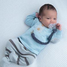 Gente nossas roupas são muito estilosas para os nossos bebês o que mais me pediam era para criar peças de menino diferenciadas ❤️To… Baby Momma, Baby Love, Baby Boy Newborn, Baby Kids, Baby Grill, Silicone Baby Dolls, Foto Baby, Baby Girl Princess, Baby Boy Fashion