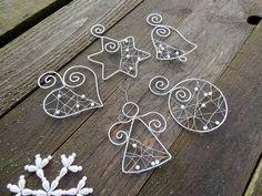 Dekorácie - strieborné vianoce z drôtu s bielymi perličkami... sada - 6245711_