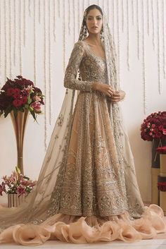 Asian Bridal Dresses, Desi Wedding Dresses, Asian Wedding Dress, Pakistani Bridal Dresses, Pakistani Dress Design, Indian Wedding Outfits, Bridal Outfits, Pakistani Couture, Pakistani Outfits