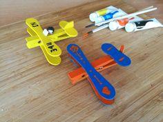 Créez un avion avec des bâtonnets de glace et des pinces à linge #AuchanEtMoi #auchan
