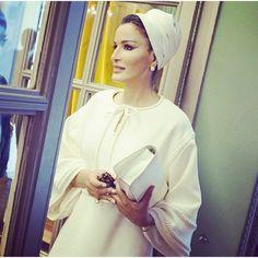 #herhighnesssheikhamoza  Another chic day for Sheikha Mozah