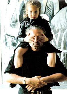Gianni with his niece, Donatella's daughter, Allegra. In his will, Gianni left Allegra with of the company stock. She always looks so sad nowadays! Gianni Versace, Casa Versace, House Of Versace, Donatella Versace, Versace Versace, Atelier Versace, Valentino, Givenchy, Elsa Peretti