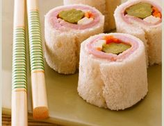 To help him experiment with shapes, textures and taste, roll your toddler sandwich sushi! #toddler