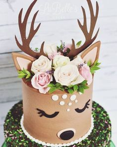 Oh so sweet deer! The fresh florals really bring out the beauty of this cake! - - Oh so sweet deer! The fresh florals really bring out the beauty of this cake! Pretty Cakes, Cute Cakes, Beautiful Cakes, Amazing Cakes, Cake Cookies, Cupcake Cakes, Cupcake Ideas, Reindeer Cakes, Animal Cakes