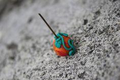 Boucles d'oreilles mini citrouilles réalisées en pâte FIMO