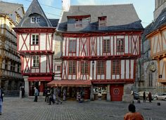 Northern France has a lot to offer us when we visit! From many thousands of years of history to beautiful castles and enough delicious food to fill your tummy every waking minute – there are