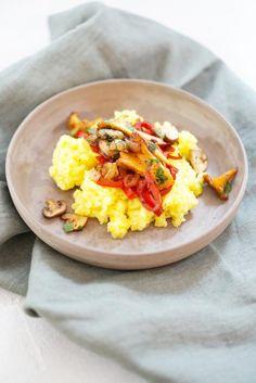 Paprika-Pilz-Pfanne auf Kartoffelstampf » Ye Olde Kitchen | Food- und Gartenblog Zucchini Muffins, Potato Recipes, Risotto, Potatoes, Ethnic Recipes, Kitchen, Dessert, Vegan, Food