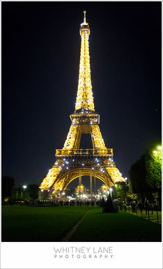Paris Fotografie bei Nacht Eiffelturm – Kearston West – Join the world of pin King Of The World, Wonders Of The World, Tour Eiffel, Vacation Places, Vacation Spots, Efile Tower, Dove Pictures, Eiffel Tower At Night, Paris City