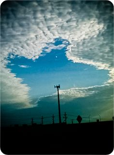 """Even the sky is bigger in Texas. This Misplaced Texan is ready to go home. Montana may be """"Big Sky Country"""" but everything is BIGGER in Texas! The Places Youll Go, Places To Go, Grand Prix, Only In Texas, Texas Forever, Loving Texas, Texas Pride, Texas Homes, Cloud"""