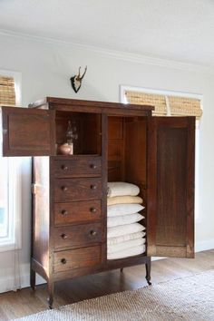 Linen Cabinet Family Room Organization Julie Blanner walk in linen cupboard could be extra storage room for stuff like toilet paper and o. Style At Home, Muebles Shabby Chic, Bedroom Storage, Linen Storage, Wood Storage, Extra Storage, Sheet Storage, Towel Storage, Organizing Your Home