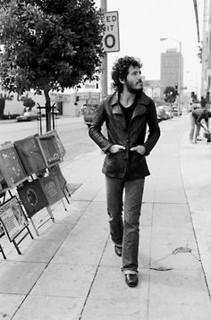 BRUCE SPRINGSTEEN ON SUNSET STRIP, LOS ANGELES, TO PROMOTE BORN TO RUN, 1975