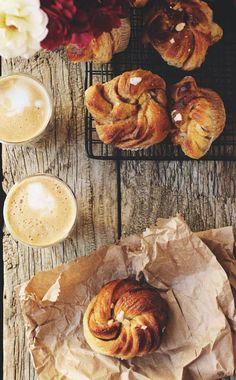 sourdough swedish cinnamon & cardamom bun