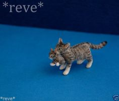 Realistic Handmade ~ Cat carrying Kitten ~ Dollhouse Miniature 1:12 Sculpt ~*~ Kitten is detachable from mom's mouth ~*~