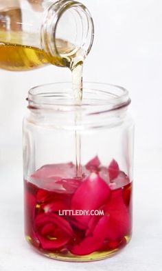 Welcome to a calm and natural LITTLE DIY world. Here, you can find natural ways to live a simple and happy life that includes DIY projects, cooking, home dec. Diy Natural Beauty Recipes, Beauty Tips For Glowing Skin, Homemade Beauty Products, Homemade Skin Care, Diy Skin Care, Homemade Body Butter, Rose Oil For Skin, Diy Beauty Treatments, Homemade Soap Recipes