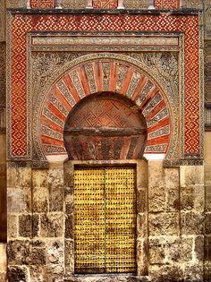 Puerta Mezquita de Córdoba :::: pinterest.com  christiancross  ::::