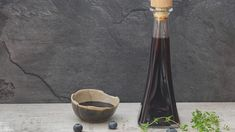 Balsamic Blueberry Vinaigrette : Drizzle this dressing recipe on your next salad. Natural Farming, Benefits Of Organic Food, Salad Dressing Recipes, Salad Dressings, Salad Recipes, Healthy Food Options, Beauty Tips, Products, Flat Tummy