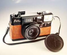 Fujica Fujifilm / 35mm Film #Rangefinder / Brown Skin / LightBurn #Camera / 38mm f2.8 #lens