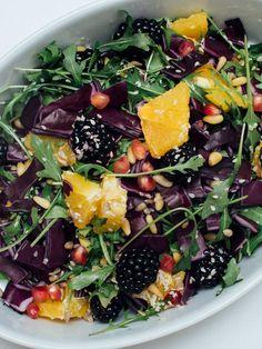Åses detoxsalat - Vegetarbloggen Vinaigrette, Acai Bowl, Salads, Breakfast, Food, Diet, Acai Berry Bowl, Morning Coffee, Essen