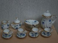 Lovely Dolls House tea Set from the Wonham Collection. DA160.