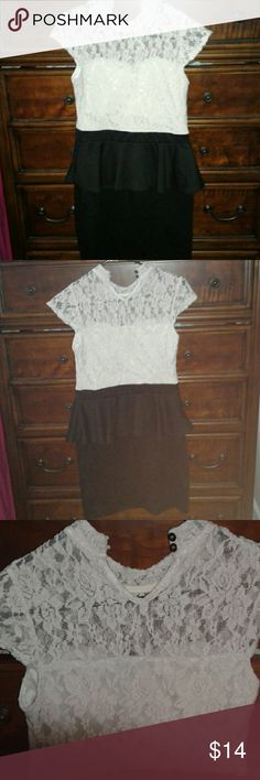 Lace Peplum Dress Cute peplun dress. This is a nice pre- loved item. Dresses Mini