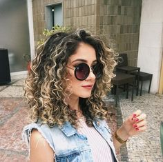 Curly Hair: Cute Hairstyles for Medium Curly Hair in Hair Curly Curlyhair Hairideas curlyhairstyles curlynaturalhairstyles curlyhairideas curlyhairtrends 297448750391187019 Curly Hair Styles, Ombre Curly Hair, Curly Hair With Bangs, Colored Curly Hair, Medium Hair Styles, Color For Curly Hair, Blonde Curly Hair Natural, Curly Balayage Hair, Updo Curly