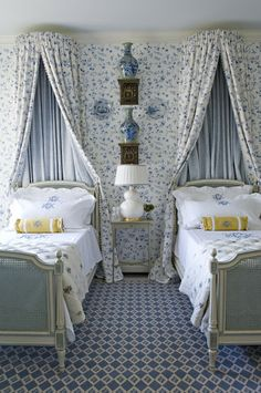 The Enchanted Home: Canopies, Caronas and Crowns.....oh my!