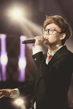 Kim Jongdae. I love this picture. Him singing is just beautiful