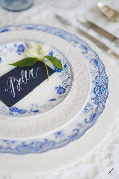 Blue Wedding Crockery | Katia Tumenyeva Photography | Viktoria Gusova & Elena Gavrilova | Bridal Musings Wedding Blog
