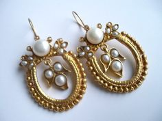 Pearl earrings by beadycats on etsy
