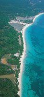 El litoral Caribe presenta una morfología muy variada en sus 1600 km de longitud. Playas de arenas blancas entre Tolú y Cartagena.