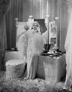 Jean Harlow in 1933